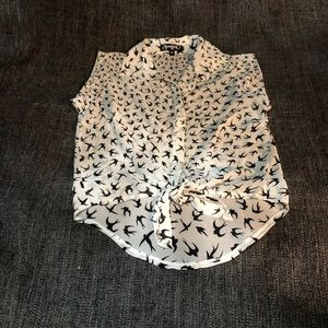 Tops - Cute blouse with bird print